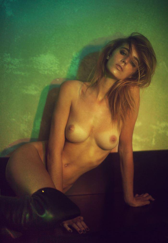 【外人】ベルギーの超人気モデルEliza Sysがセクシーなヌードを披露するポルノ画像 1011