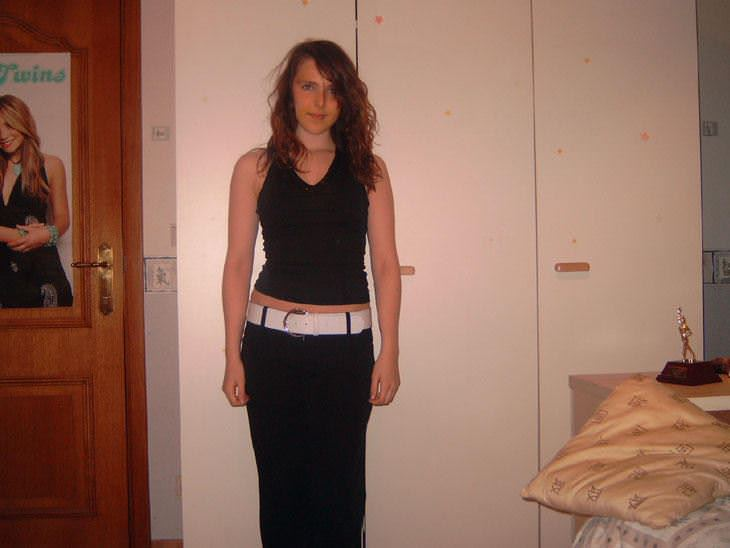 【外人】彼氏いない歴22年の女子大生が処女まんこをパックリ自画撮りしてネット公開してるポルノ画像 10177
