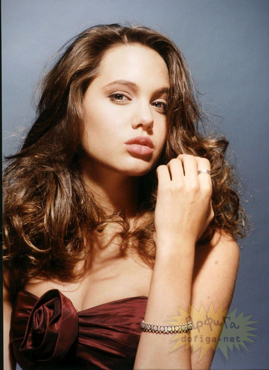 【外人】世界トップレベルの美女アンジェリーナ·ジョリー(Angelina Jolie)のポルノ画像 10181