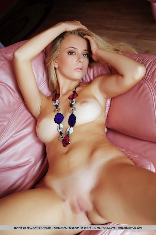 【外人】美人過ぎるにも程があるジェニファー·マッケイ(Jennifer Mackay)の美しいブロンドヘアとパイパンまんこのポルノ画像 1023