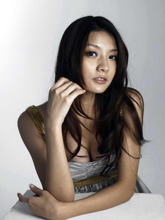 【外人】台湾美女マギー・ウー(吳亞馨)が彼氏とのハメ撮りが流出したポルノ画像 10242