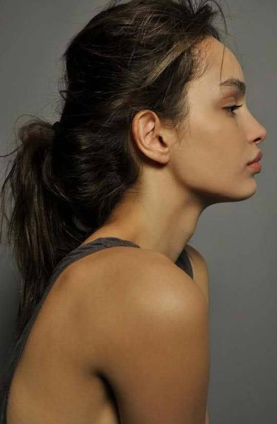 【外人】ブラジル人モデルのルマグローテ(Luma Grothe )が眼力で魅了するセミヌードポルノ画像 1034