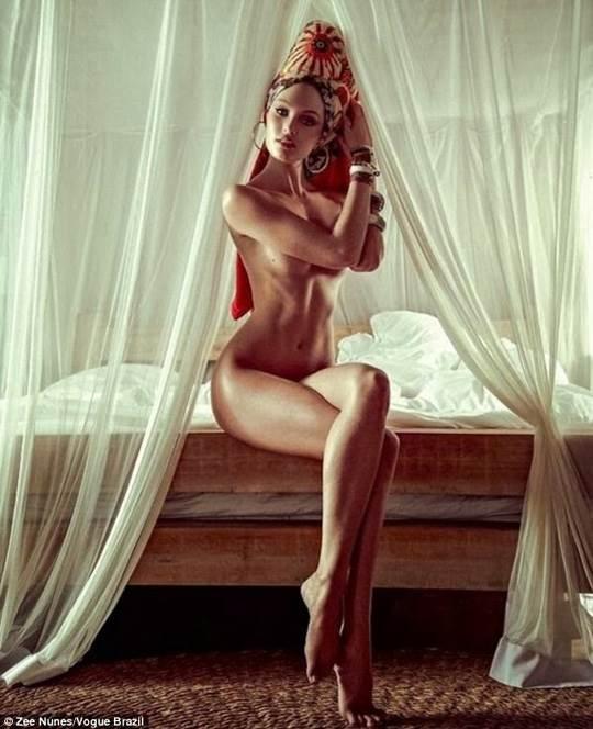 【外人】南アフリカ出身のキャンディス・スワンポール(Candice Swanepoel)がブロンドヘアーをなびかせるセクシーポルノ画像 1070