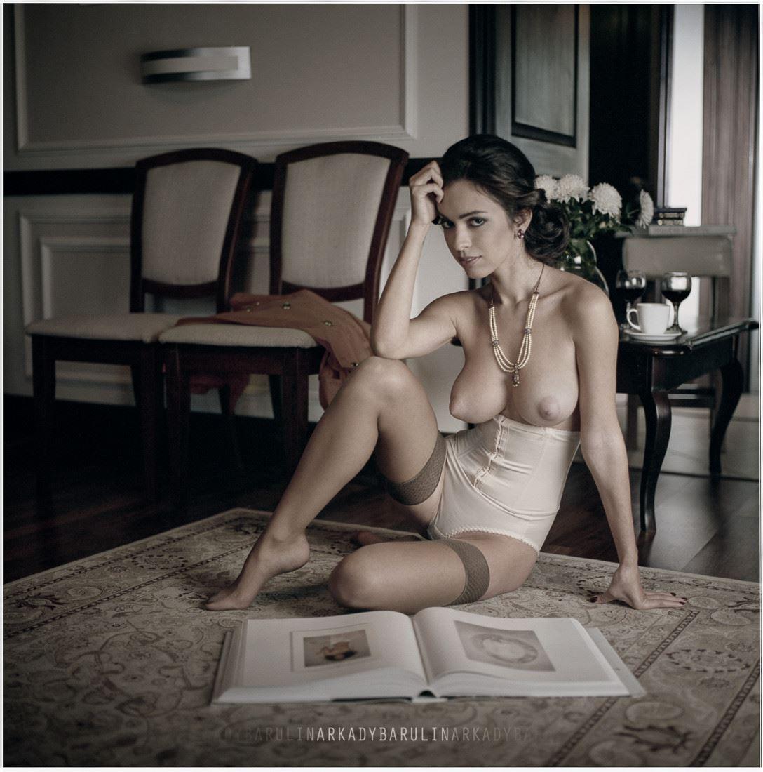 【外人】ロシアの写真家Arkady Barulin芸術的におっぱいを撮影するポルノ画像 11061