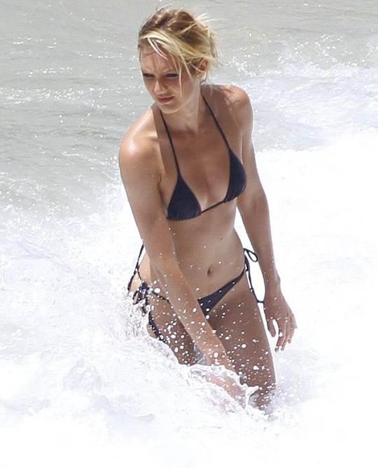 【外人】南アフリカ出身のキャンディス・スワンポール(Candice Swanepoel)がブロンドヘアーをなびかせるセクシーポルノ画像 11108
