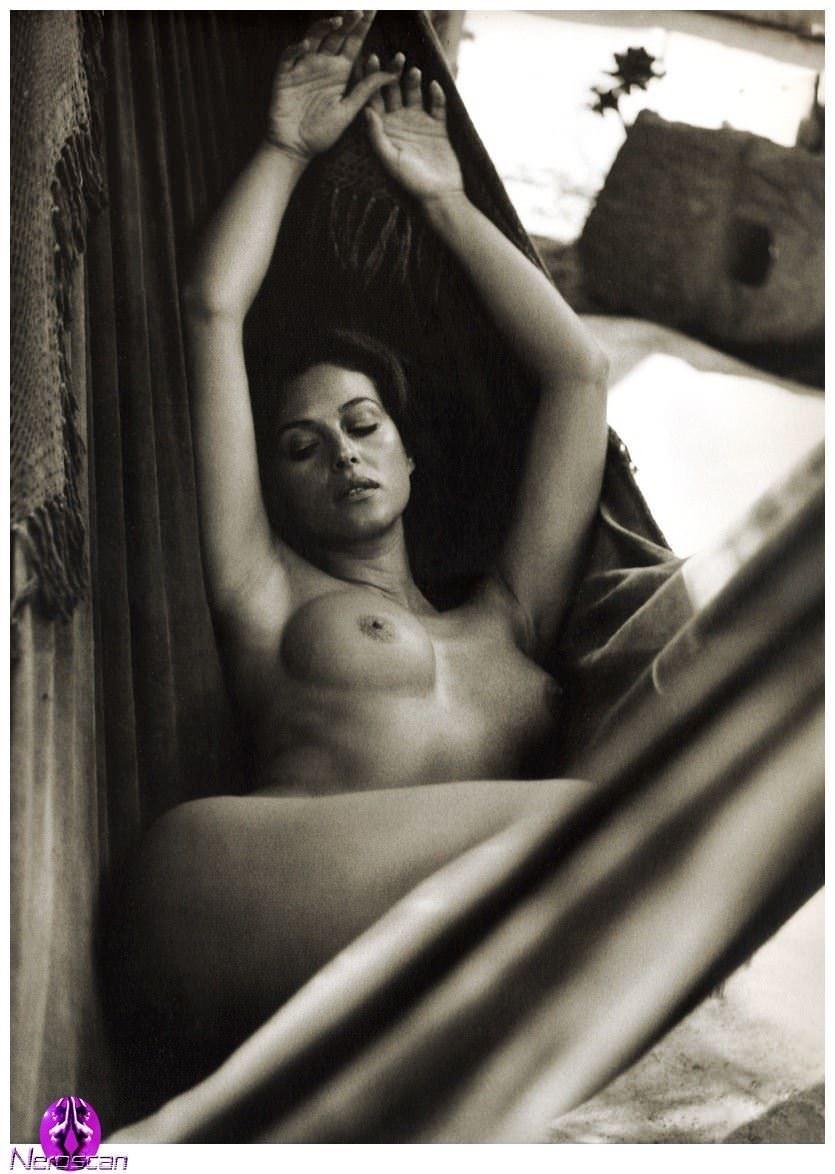 【外人】イタリア人女優モニカ・ベルッチ(Monica Bellucci)の大胆おっぱい露出ポルノ画像 11121