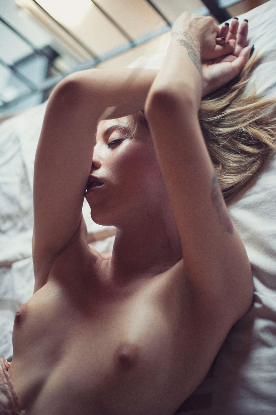 【外人】清い心で見ることが出来る芸術的美少女のポルノ画像 11126