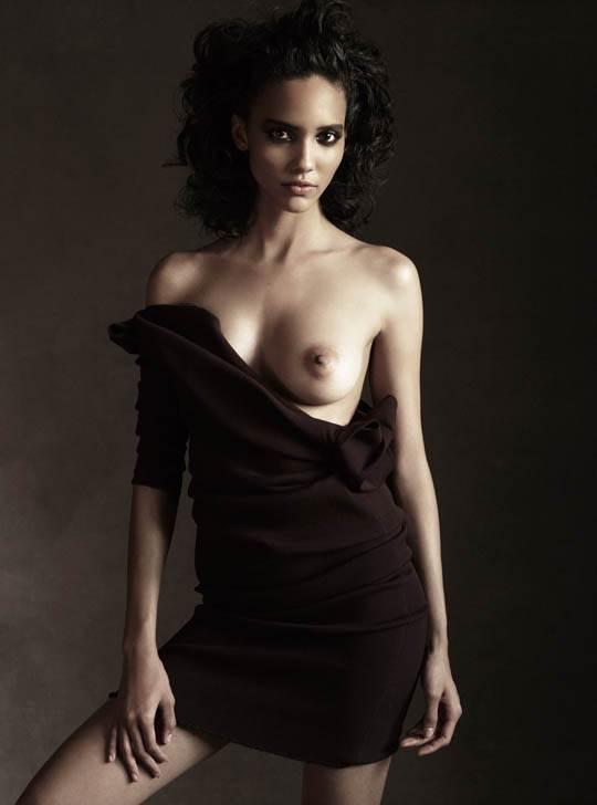 【外人】スタイル抜群の可愛い娘のボーイッシュなコーラ・エマニュエル(Cora Emmanuel)のポルノ画像 11176