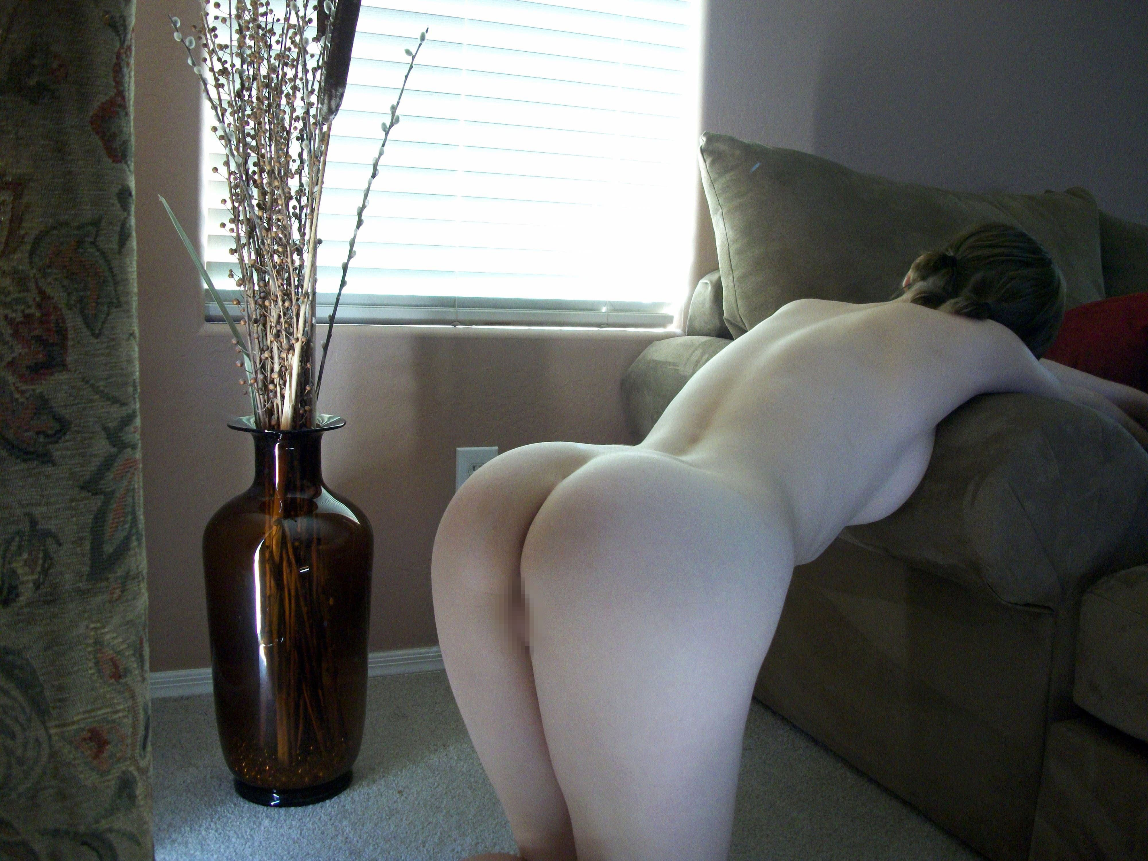 【外人】親に隠れて自宅でこっそりフルヌード自画撮りしてるポルノ画像 11213