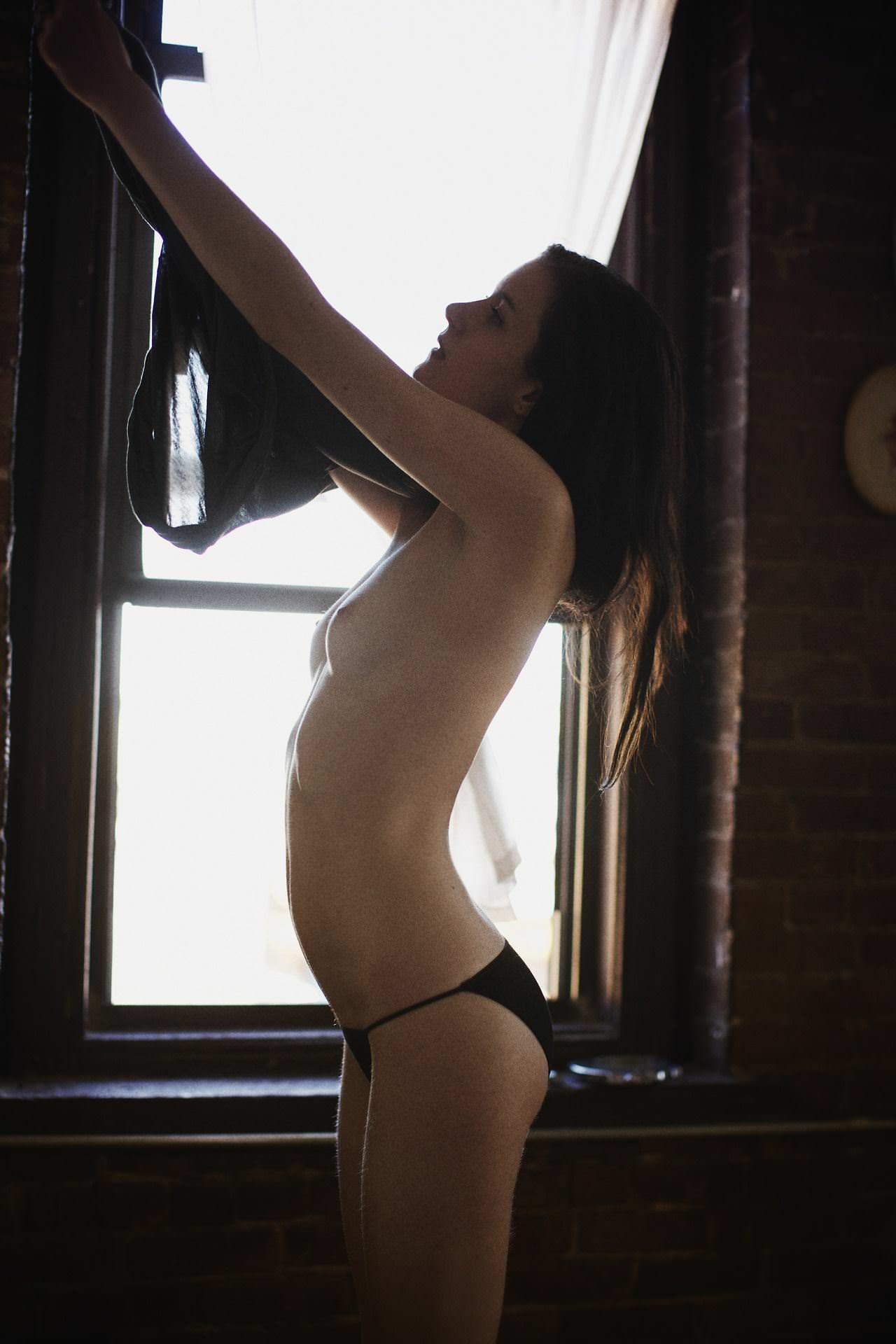 【外人】女の感情を表現しているアート系ヌードポルノ画像 11263