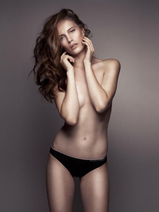 【外人】スレンダーな美女のMaja Simonsenがロンドンで撮影したヌードポルノ画像 113