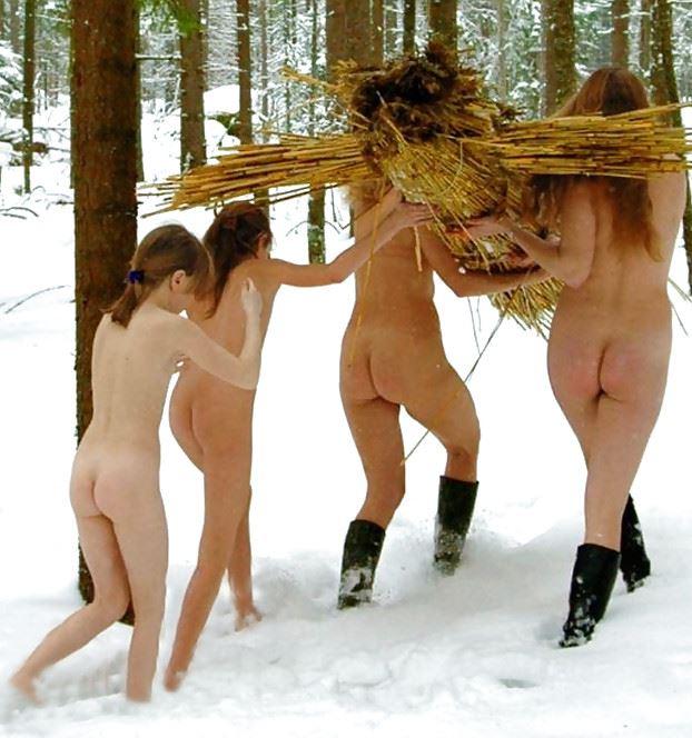 【外人】 20度 30度当たり前のロシアの冬に全裸で雪遊びする露出女のポルノ画像 1130