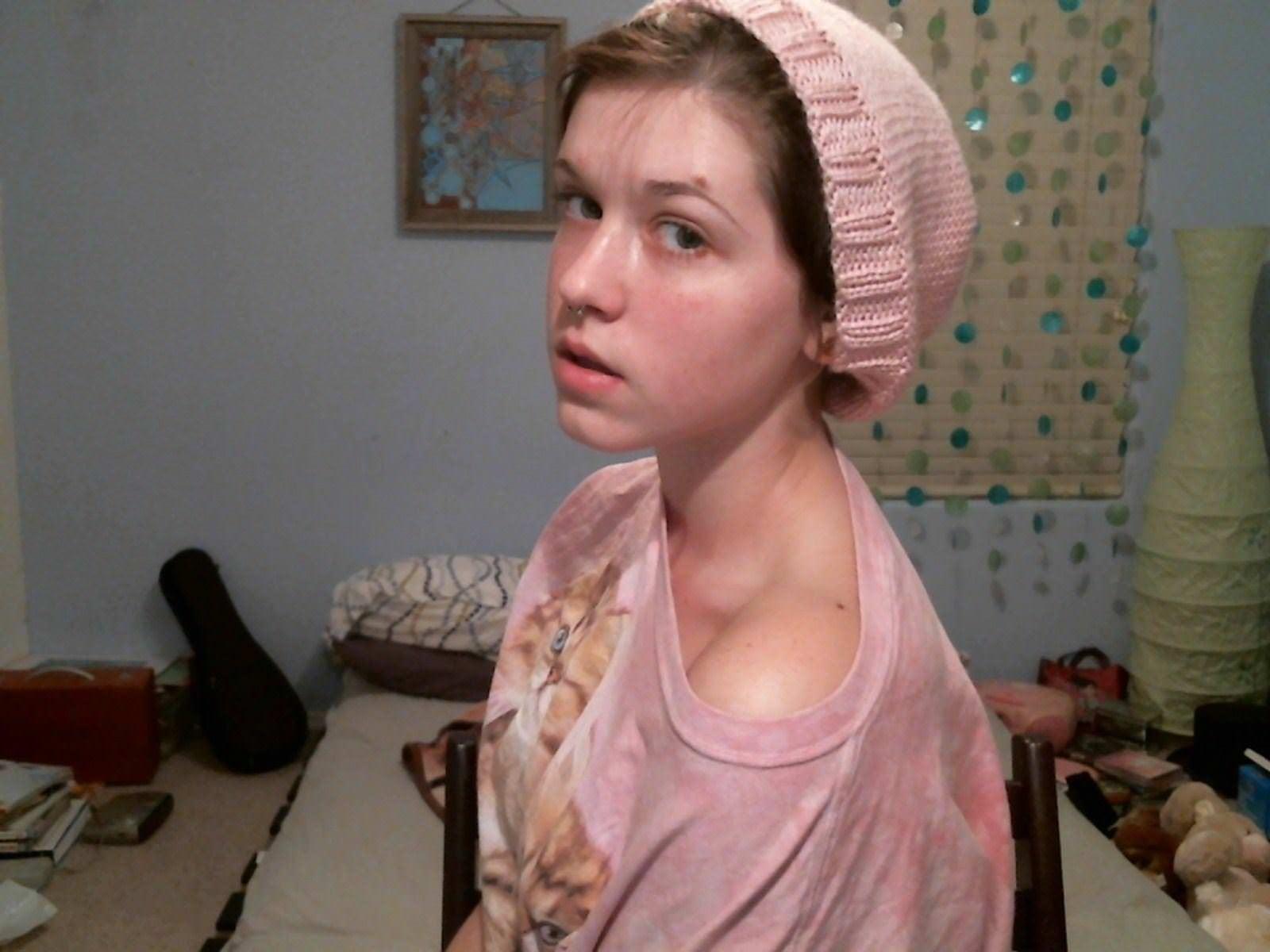 【外人】メンヘラロシアン女子大生がアナルをライブチャットでガッツリ公開中なポルノ画像 11301