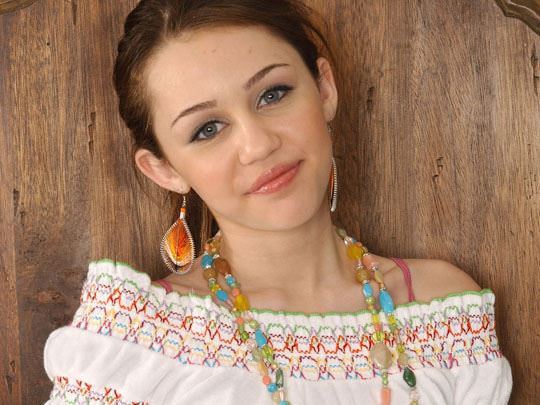 【外人】米国歌手マイリー・サイラス(Miley Ray Cyrus)のおっぱい隠し撮りに成功した露出ポルノ画像 11305