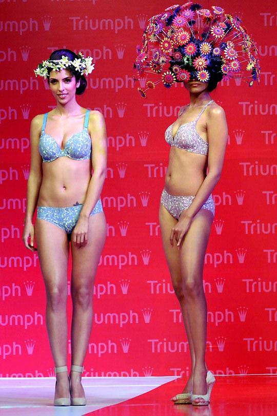 【外人】インド・ムンバイで開催されたトリンプ(Triumph)のファッションショーの下着美女ポルノ画像 1131