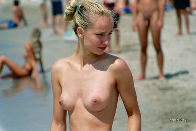 【外人】ヌーディストビーチに居る可愛い系の女子を集めた露出ポルノ画像 1169