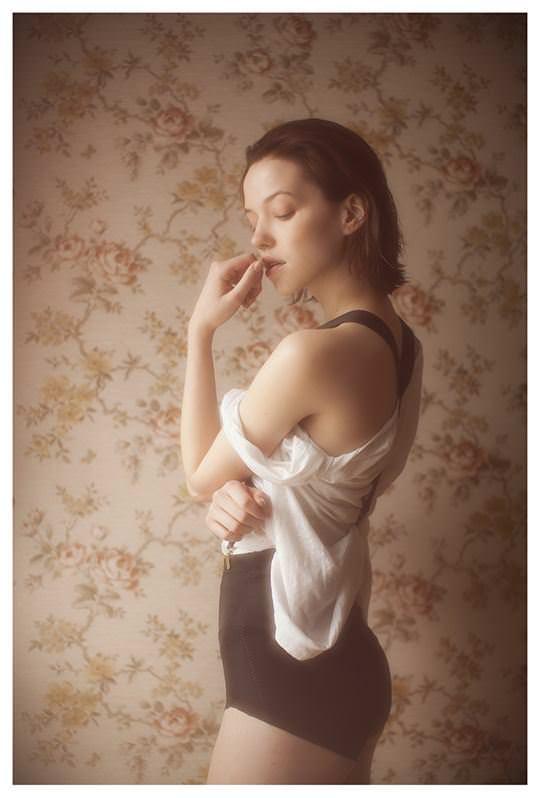 【外人】欧州の美少女たちが完全に天使なセミヌードポルノ画像 1205