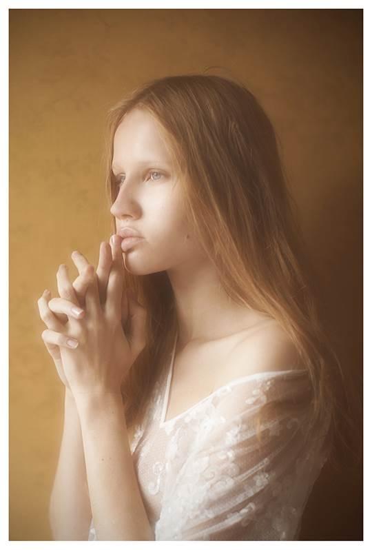 【外人】芸術的美しさを感じる美少女たちのセミヌードポルノ画像 12120
