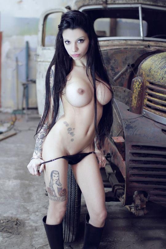 【外人】爆乳をプルンプルンさせても違和感がない海外美女のポルノ画像 12153