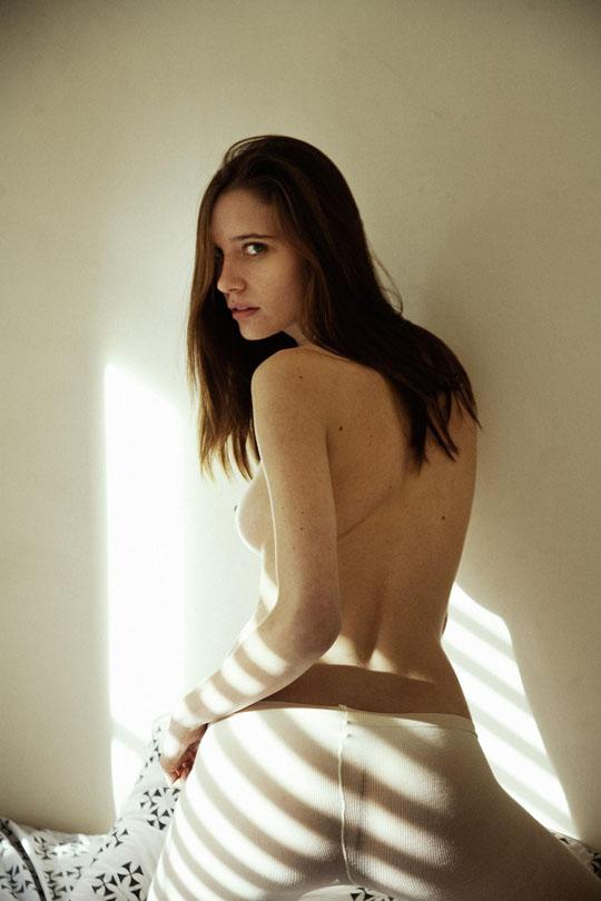 【外人】スレンダーな美女のMaja Simonsenがロンドンで撮影したヌードポルノ画像 122