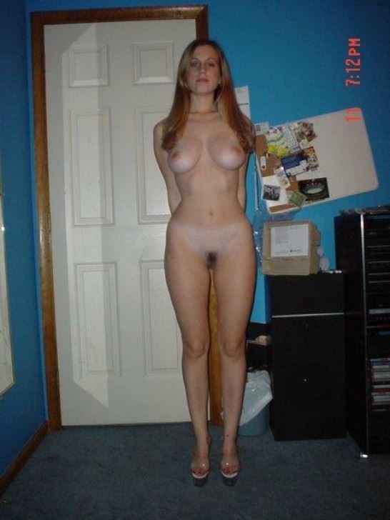 【外人】エロの興奮をいつまでも味わいたい人妻や彼女の家庭内ショットのポルノ画像 12202