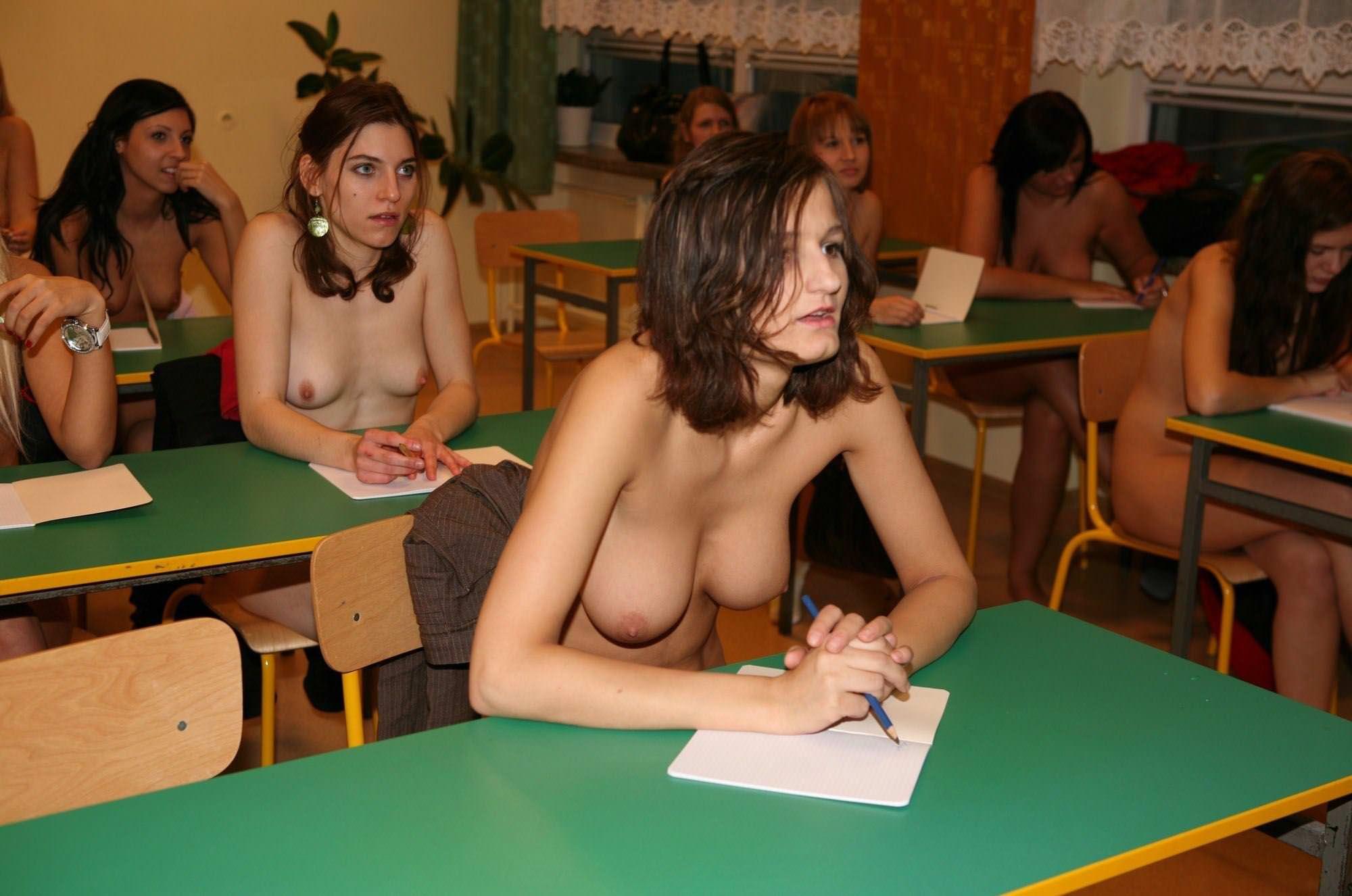 【外人】素っ裸のオールヌードで授業を受けるクラスのおふざけポルノ画像 12234