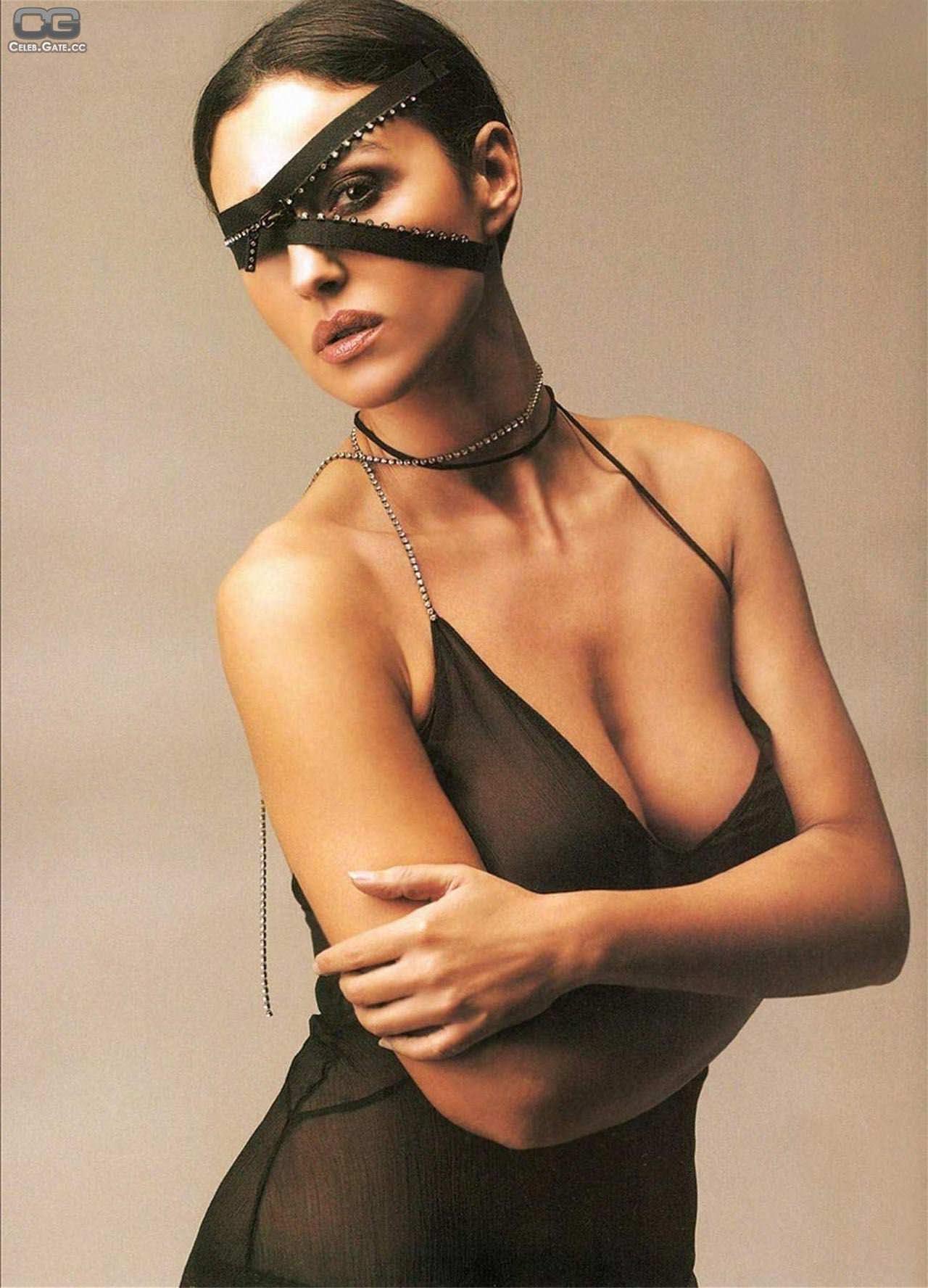 【外人】イタリア人女優モニカ・ベルッチ(Monica Bellucci)の大胆おっぱい露出ポルノ画像 1290