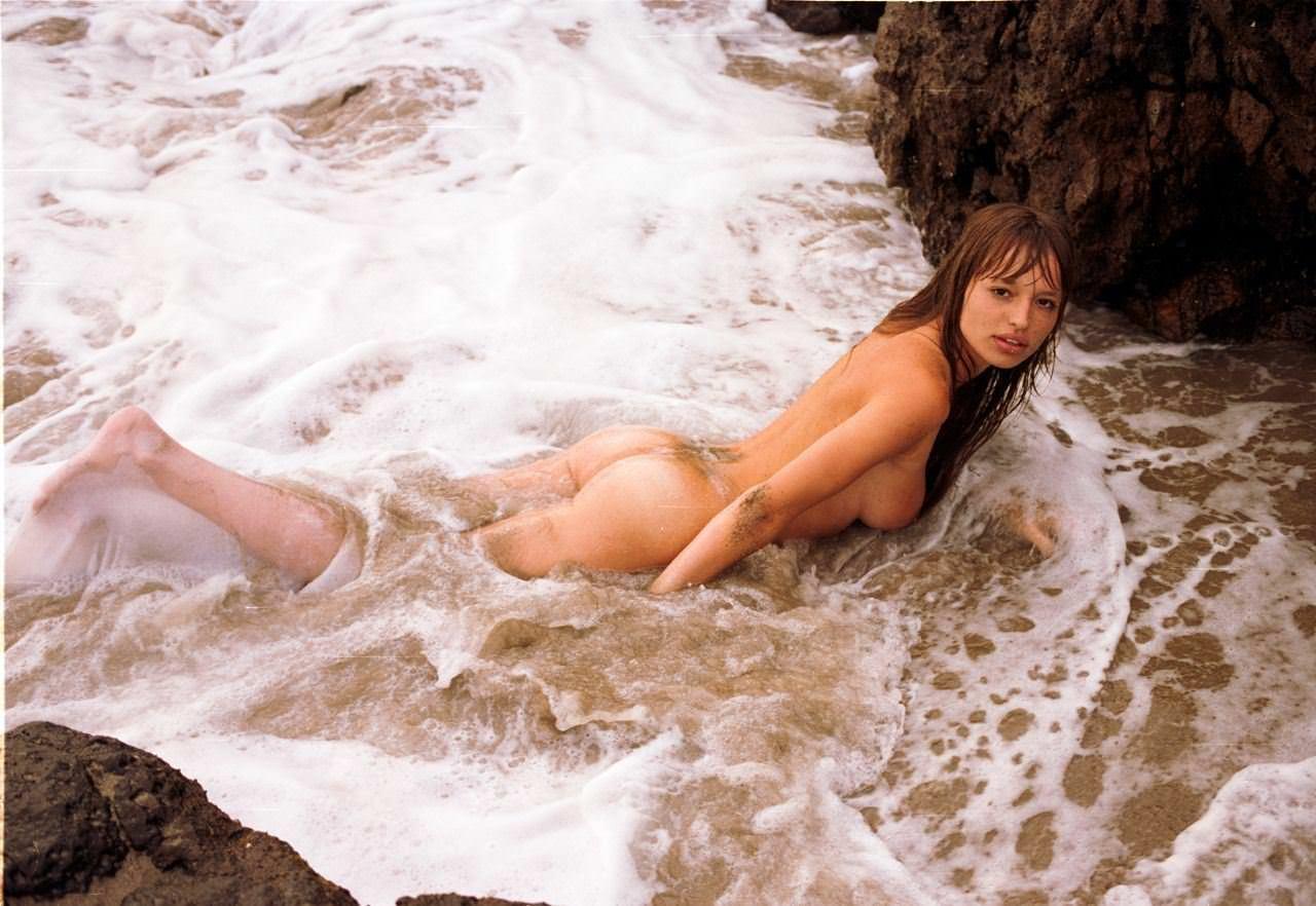【外人】お人形さんみたいなチェコモデル!テレザ・カサロヴァ(Tereza Kacerova)の野外露出ポルノ画像 13133