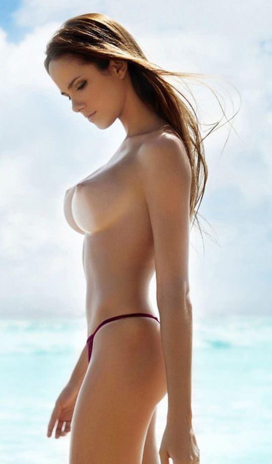 【外人】爆乳をプルンプルンさせても違和感がない海外美女のポルノ画像 13137