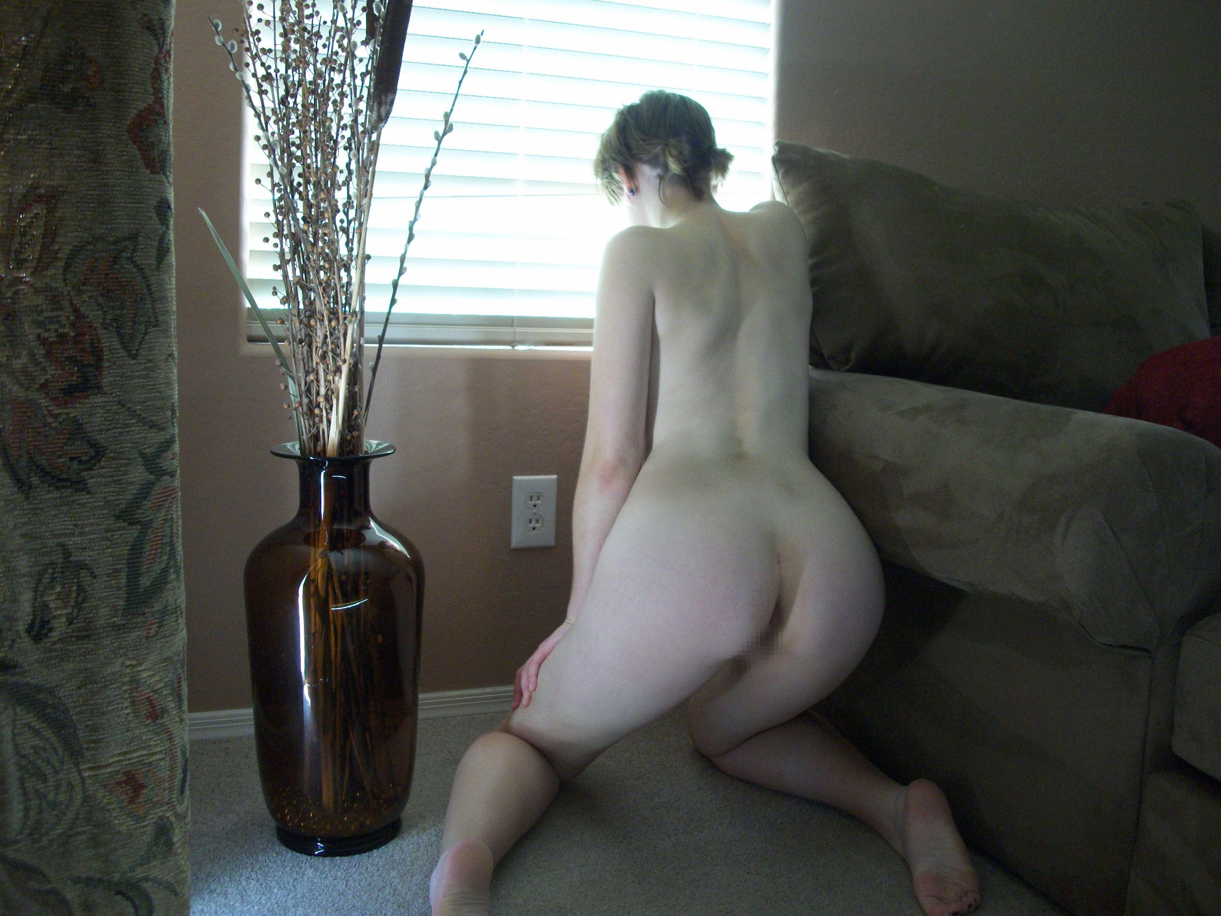 【外人】親に隠れて自宅でこっそりフルヌード自画撮りしてるポルノ画像 13168