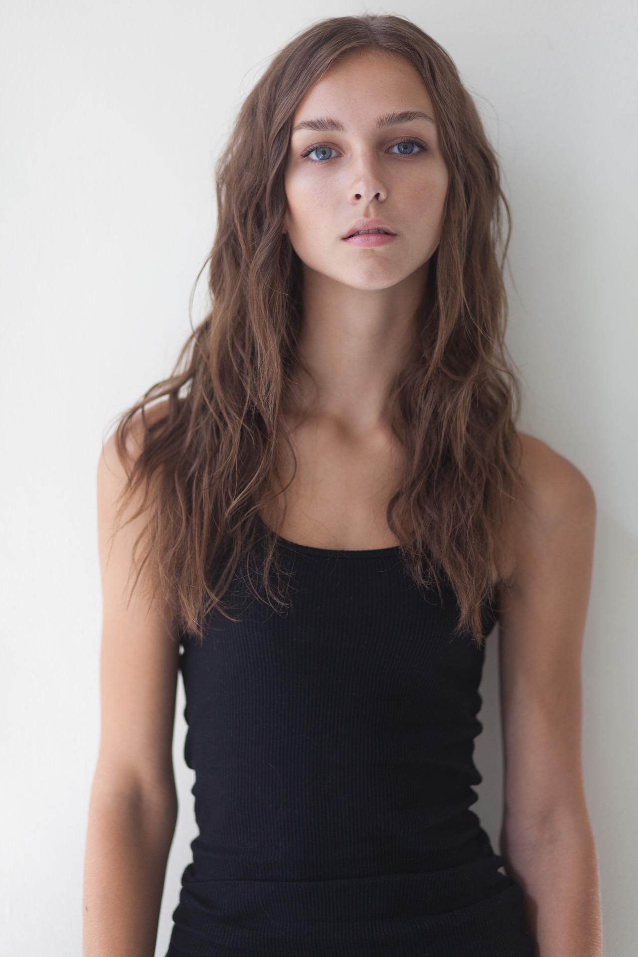 【外人】あどけなさが残るシアトル出身レイチェル・クック(Rachel Cook)のセミヌードポルノ画像 13181
