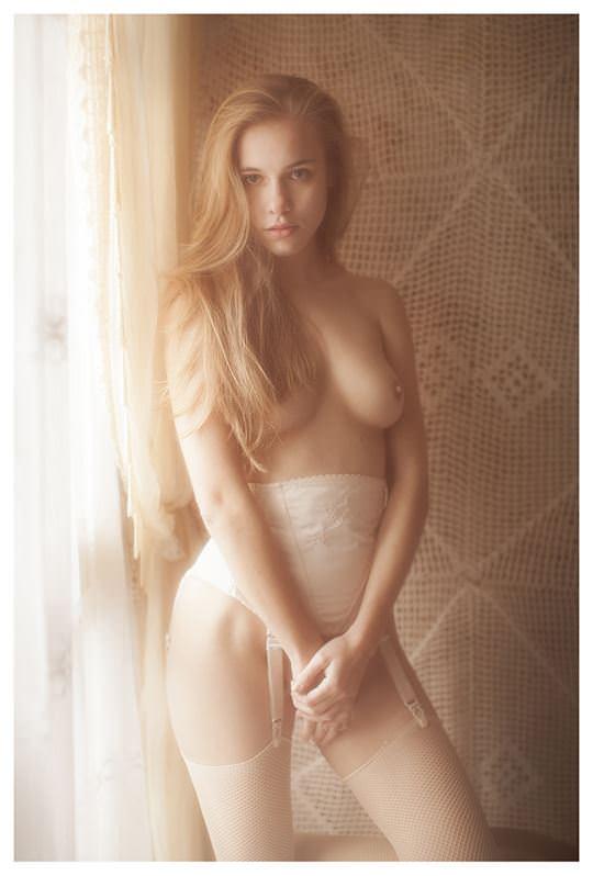 【外人】欧州の美少女たちが完全に天使なセミヌードポルノ画像 1361