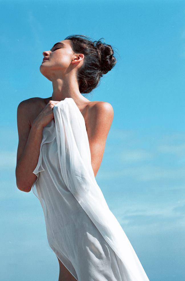 【外人】オーストラリア人モデルのSophia Rambaldini(ソフィア・ランバディニー)が青空の下でおっぱい撮影ポルノ画像 1395