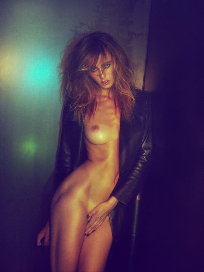 【外人】ベルギーの超人気モデルEliza Sysがセクシーなヌードを披露するポルノ画像 140