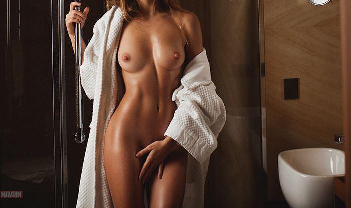 【外人】プリップリのおっぱいやお尻が美味しそうなロシア人美女のポルノ画像 14118