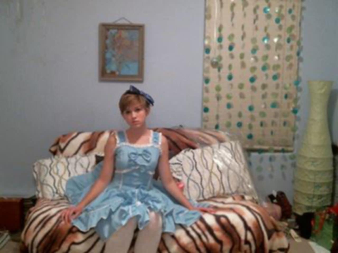 【外人】メンヘラ度全開のロシアンパイパン美少女の自画撮りライブチャットポルノ画像 14157