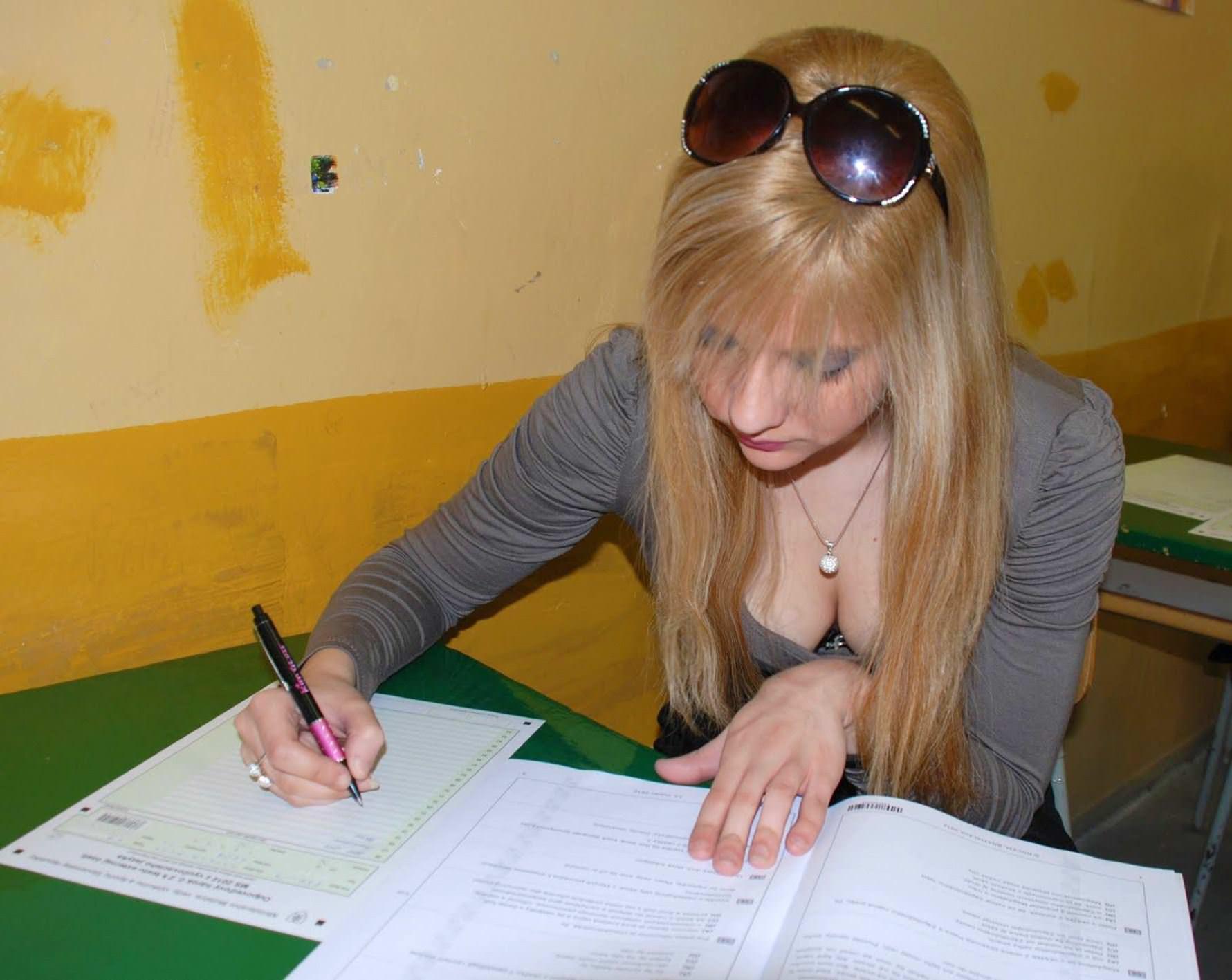 【外人】ロシア人の学生たちがめっちゃ可愛くて大人っぽい制服ポルノ画像 14158