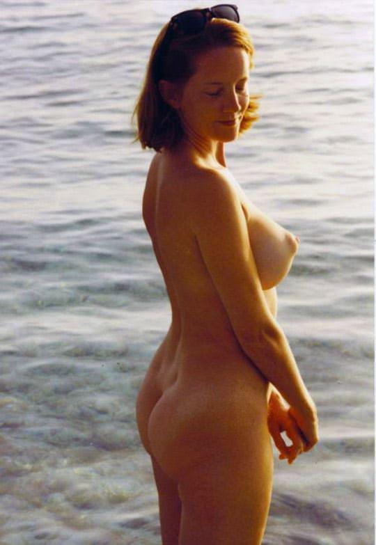 【外人】水辺がよく似合う美少女たちの露出ポルノ画像 14211