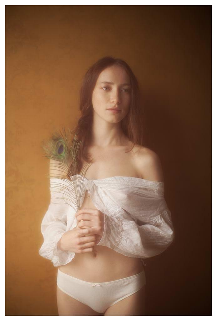 【外人】女性写真家ヴィヴィアン・モクが映し出す芸術的なセミヌードポルノ画像 1453