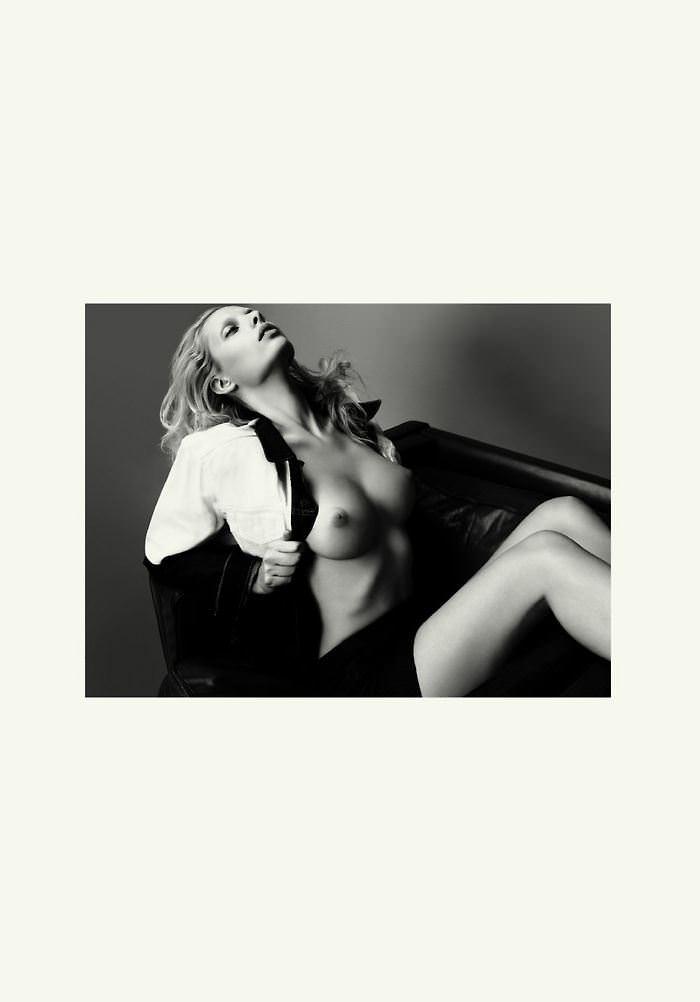 【外人】オランダアムステルダム出身のディオニ・タバーズ(Dioni Tabbers)が美乳おっぱいで挑発するポルノ画像 1492
