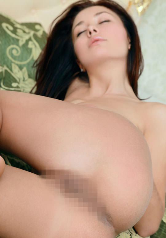 【外人】とてつもなく美人な緑の瞳をした巨乳ウクライナ人ミラ(Mila M)のおまんこ全開ポルノ画像 1500