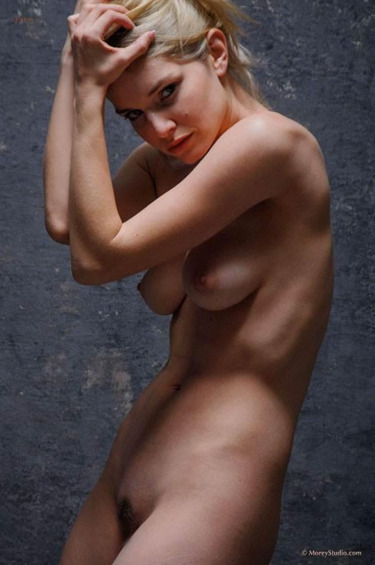 【外人】海外の美人な金髪お姉さんのヌードを集めたポルノ画像 15111