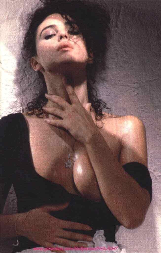 【外人】イタリア人女優モニカ・ベルッチ(Monica Bellucci)の大胆おっぱい露出ポルノ画像 1573