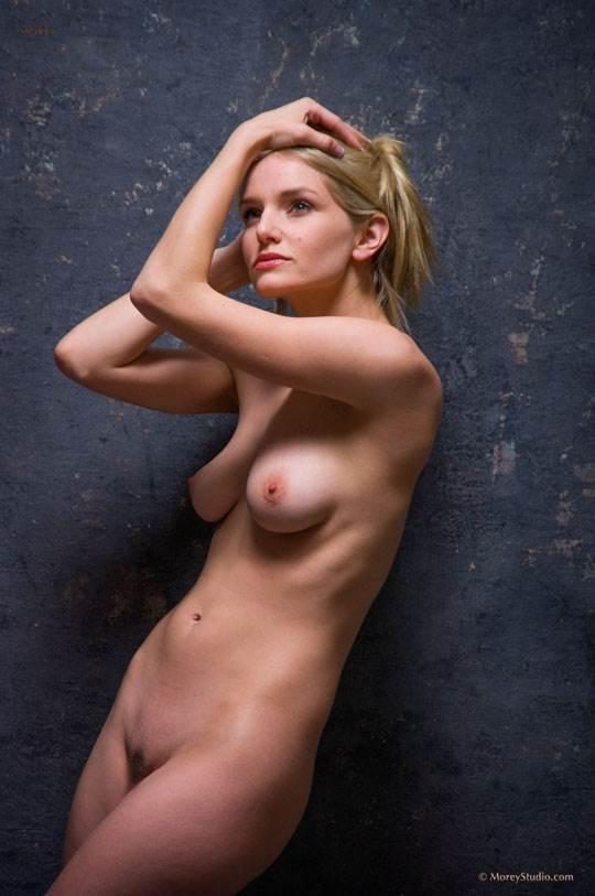 【外人】海外の美人な金髪お姉さんのヌードを集めたポルノ画像 16107