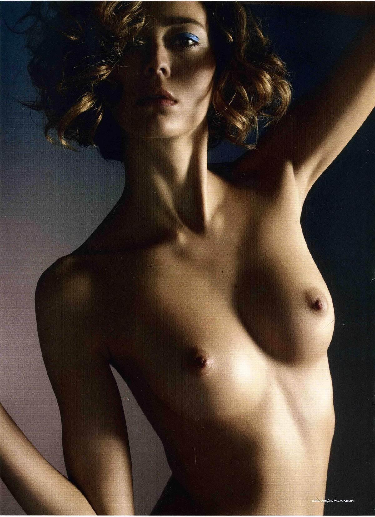 【外人】フランス人スーパーモデルのモルガン・デュブレ(Morgane Dubled)がファッション誌で乳首をさらるおっぱいポルノ画像 1700