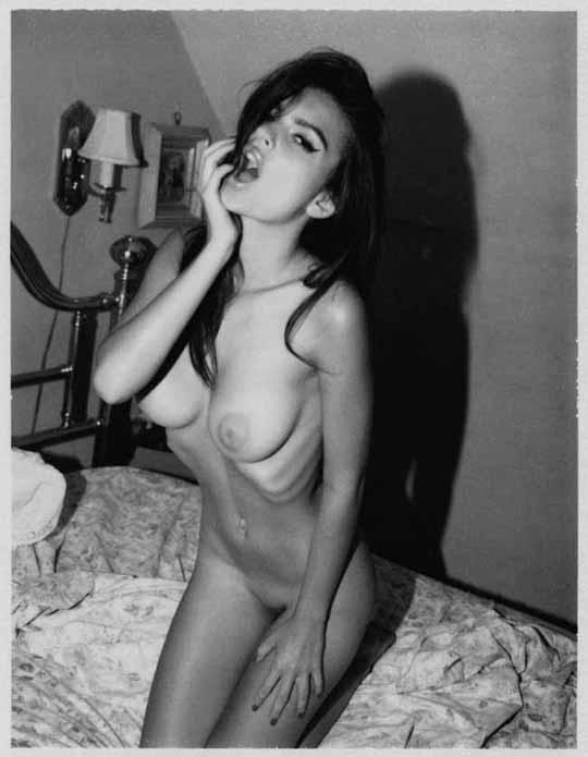 【外人】英国モデルのエミリー・ラタコウスキー(Emily Ratajkowski)の大胆なおっぱいフルヌードポルノ画像 1731