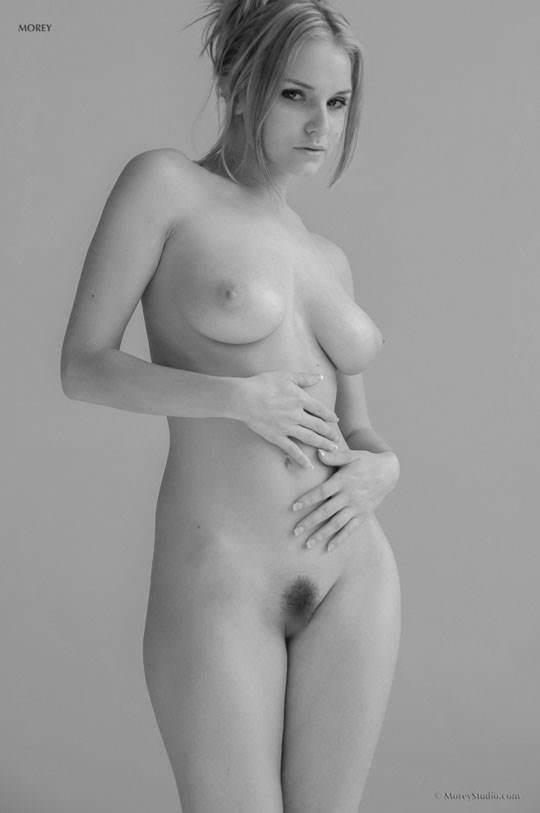 【外人】海外の美人な金髪お姉さんのヌードを集めたポルノ画像 1896