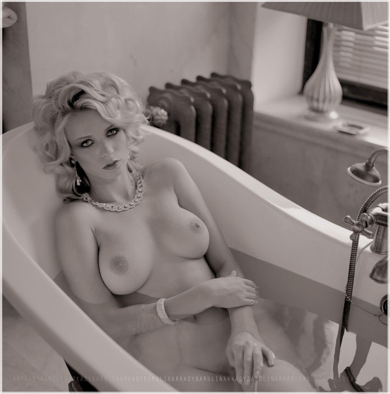 【外人】ロシアの写真家Arkady Barulin芸術的におっぱいを撮影するポルノ画像 19150