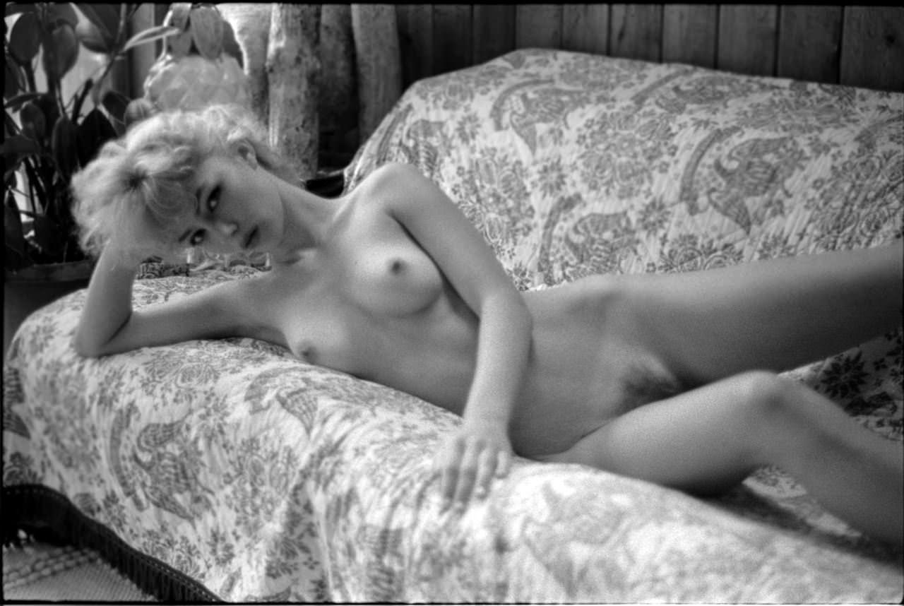 【外人】プロ写真家ジョナサン·レダーによって撮影されたノスタルジックなヌードポルノ画像 1993