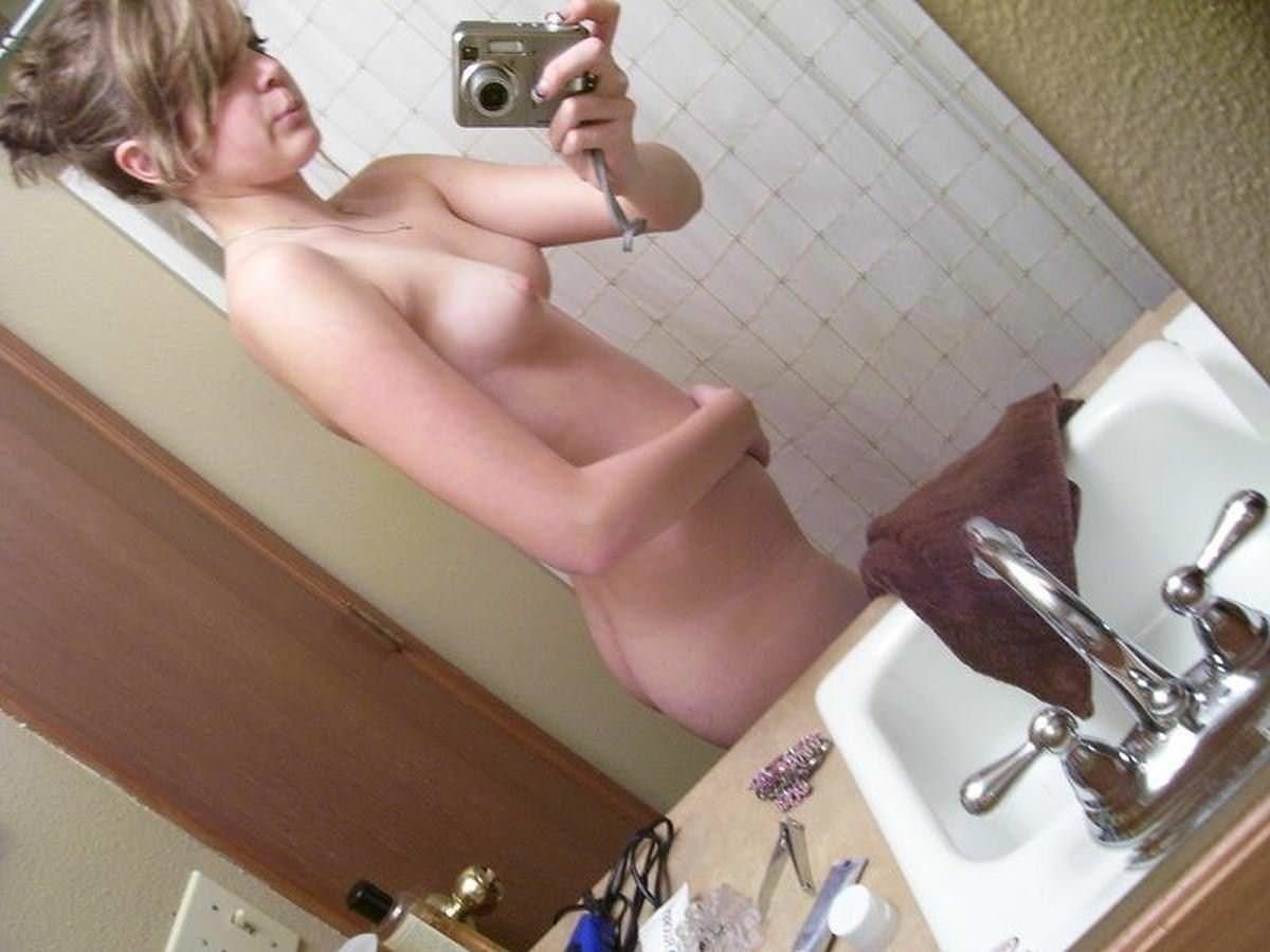 【外人】セックスがしたくてたまらない女の子たちの自画撮りヌードポルノ画像 20130